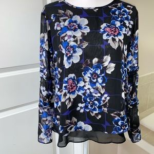 Cato floral blouse with tie back.